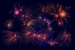 Fogos-de-artifício em cores bonitas Fotos de Stock Royalty Free
