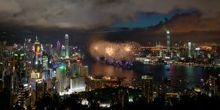 Fogos-de-artifício em Hong Kong para o dia 2012 da reunificação imagem de stock
