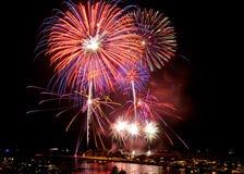 Fogos-de-artifício em Honolulu julho ô Fotografia de Stock Royalty Free