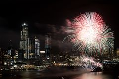 Fogos-de-artifício em Hudson River, New York City Fotos de Stock