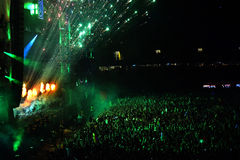 Fogos-de-artifício em um concerto vivo Fotos de Stock