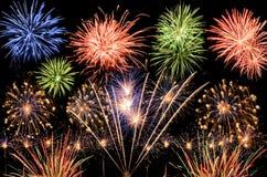 Fogos-de-artifício espectaculares Imagens de Stock Royalty Free