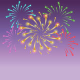 Fogos-de-artifício estrelados coloridos Shinning no céu noturno ilustração do vetor