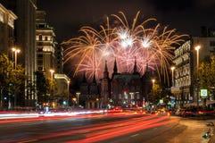 Fogos-de-artifício festivos sobre o Kremlin de Moscou fotografia de stock royalty free