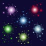Fogos-de-artifício multi-coloridos bonitos Fotografia de Stock