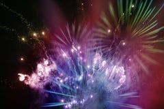 Fogos-de-artifício multicoloridos brilhantes Foto de Stock Royalty Free