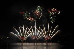 Fogos-de-artifício na água - Ignis Brunensis Foto de Stock