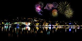Fogos-de-artifício na noite em Makarska Fotografia de Stock