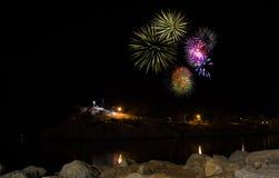 Fogos-de-artifício na noite em Makarska Imagem de Stock Royalty Free
