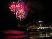 Fogos-de-artifício na praia Imagens de Stock Royalty Free