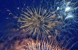 Fogos-de-artifício no céu foto de stock royalty free