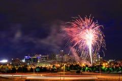 Fogos-de-artifício no 4o julho em Denver, Colorado Fotos de Stock