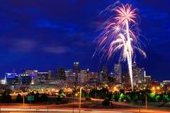 Fogos-de-artifício no 4o julho em Denver, Colorado Foto de Stock