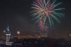 Fogos-de-artifício novos da véspera de Year's em Bielsko-Biala, Polônia fotografia de stock royalty free
