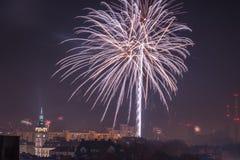 Fogos-de-artifício novos da véspera de Year's em Bielsko-Biala, Polônia imagem de stock