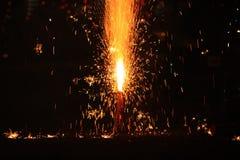 Fogos-de-artifício ou foguetes durante o festival de Diwali ou de Natal Foto de Stock Royalty Free