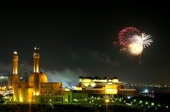 Fogos-de-artifício para a celebração do dia nacional de Barém foto de stock