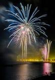Fogos-de-artifício para comemorar o dia da mercê 2014 em Barcelona Fotografia de Stock
