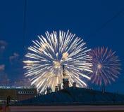 Fogos-de-artifício sobre a cidade Imagem de Stock