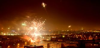 Fogos-de-artifício sobre a cidade de Bialystok Imagem de Stock