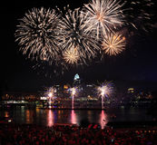 Fogos-de-artifício sobre Cincinnati Fotografia de Stock