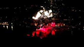 Fogos de artifício sobre Heidelberg na noite video estoque