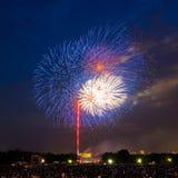 Fogos-de-artifício sobre o memorial de Lincoln Fotografia de Stock