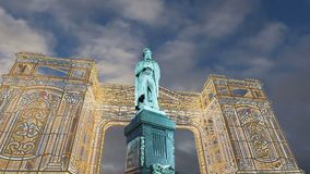 Fogos-de-artifício sobre o monumento centro da cidade a Pushkin, Moscou Rússia vídeos de arquivo