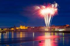 Fogos-de-artifício sobre o rei John Castelo no Limerick Fotografia de Stock