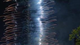 Fogos de artifício sobre a torre da tevê, Moscou, Rússia filme