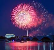 Fogos-de-artifício sobre Washington, C.C. Fotografia de Stock
