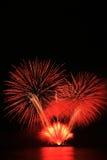 Fogos-de-artifício vermelhos fotografia de stock royalty free