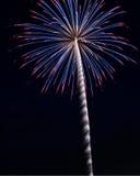 Fogos-de-artifício vermelhos, brancos e azuis Imagem de Stock
