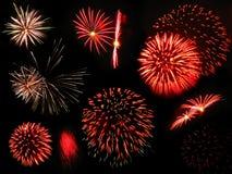 Fogos-de-artifício vermelhos e dourados Imagem de Stock