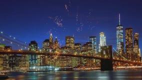 Fogos-de-artif?cio do Dia da Independ?ncia sobre Manhattan, New York City video estoque