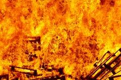 Fogueira 2 bonfire Luta contra o incêndio e ignição da chama aviso fotografia de stock royalty free