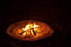 Fogueira de terra Firepit fotografia de stock