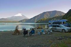 Fogueira na base do Mt fuji fotografia de stock
