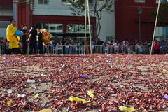 Foguetes chineses do ano novo durante 117th Dragon Par dourado Imagem de Stock