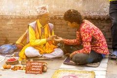 Foi des personnes au Népal photographie stock