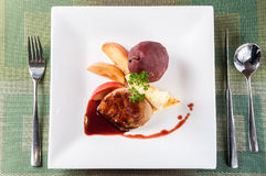 Foie gras med sås royaltyfri bild