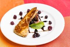 Foie gras som grillas fotografering för bildbyråer