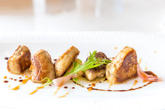 Foie gras som grillas royaltyfria foton