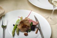 Foiegras met eend en passievruchtsaus Stock Afbeelding