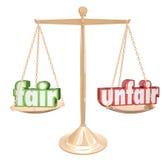 Foire contre le juge injuste Injustice d'équilibre d'échelle de mots illustration stock