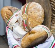 Foire folklorique traditionnelle en l'honneur de saint Istvn et le premier pain en Hongrie avec les maîtres folkloriques Budapest photographie stock libre de droits