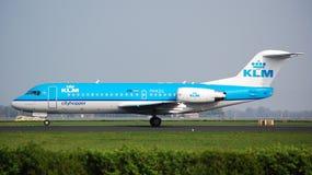 Fokker 70 van Cityhopper van KLm Stock Foto's