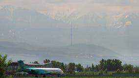 Fokker 100 Beku powietrze po przyjeżdżający zdjęcie wideo
