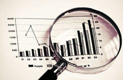 Fokus auf Diagramm stockfotos
