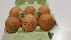 Fokus auf ersten zwei Eiern Stockfotografie